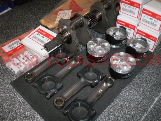 RC30 Crank Rods Pistons Rings